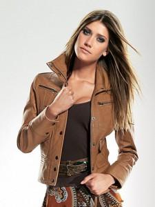 женский-кожаный-пиджак-225x300